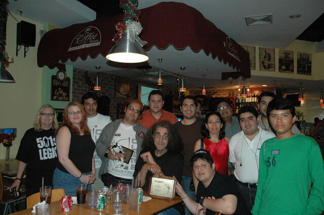 Archivo:Peter Mayhew y el Jedi Council Panama.jpg
