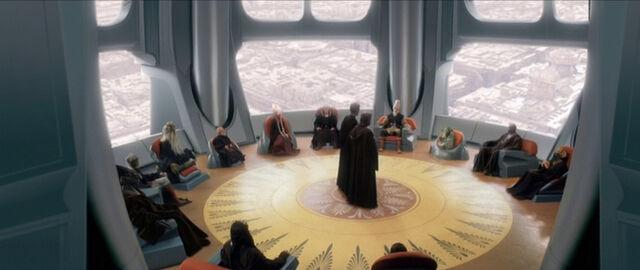 Archivo:Salón del Alto Consejo Jedi.jpg