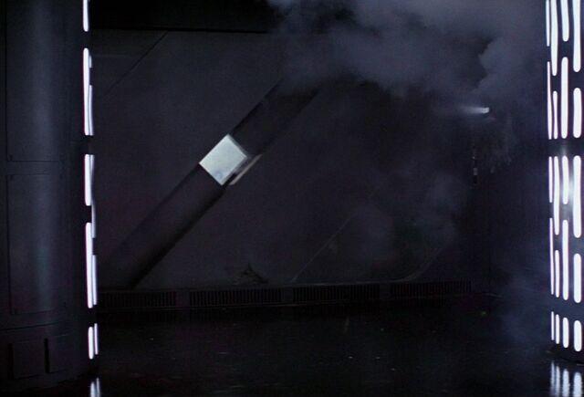 Archivo:Death Star blast door.jpg