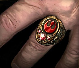 Archivo:Rebel signet ring.jpg