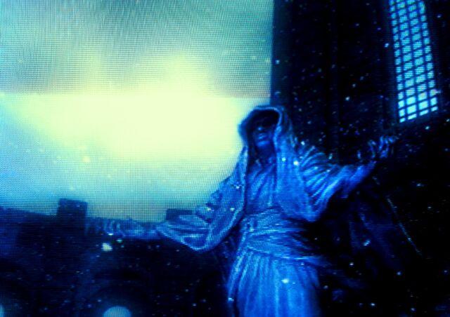 Archivo:Estatua del Emperador.jpg