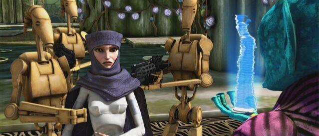 Archivo:Amidala taken hostage.jpg