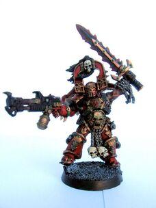 Kharn con el lanzamallas de Skalatharx wikihammer