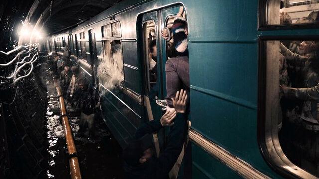 Archivo:Pánico en el metro.jpg