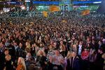 Crowd05