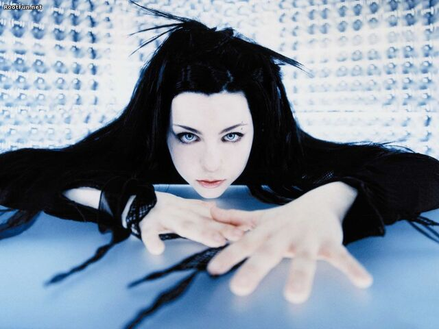 File:New-Hair-Style-Of-Amy-Lee.jpg