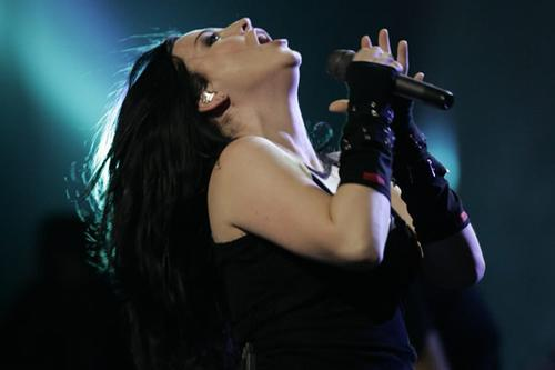 File:Amy+Lee+1cb7906evanescence 13 600x400 -1-.jpg