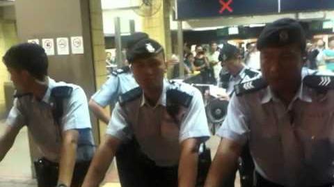 2012 09 18 自發 光復上水站 行動 最激一幕, 衝擊鐵馬!!