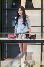 Paola-andino-purse-shopping-bev-hills-02