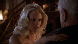 Tanya Peters in Naked Gun 3 (played by Anna Nicole Smith) 193