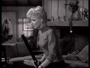 Phyliss Derring (Joan Marshall) 4