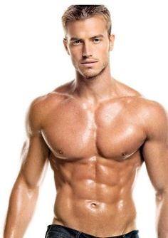 maschi muscolosi nudi cerco gay bari