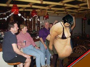 Fanuci-gay-bar