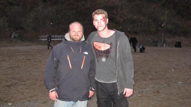 File:Hemsworth BTS.jpg
