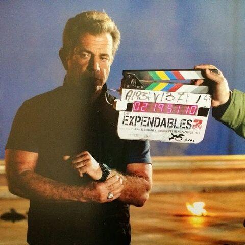 File:EX3- Gibson on set.jpg
