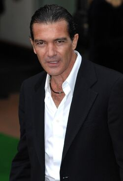 Antonio banderas white shirt b