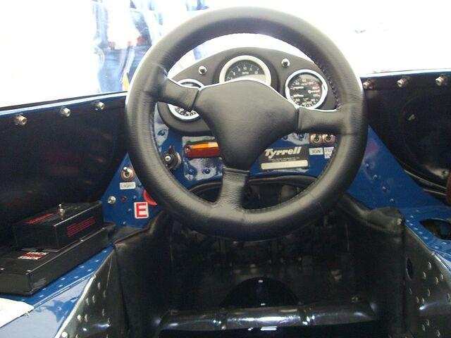 File:1970 Tyrrell-Cosworth 001 Cockpit - Flickr - edvvc.jpg