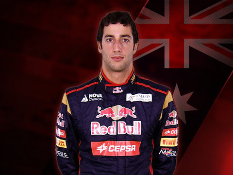 File:Daniel Ricciardo 2013.jpg