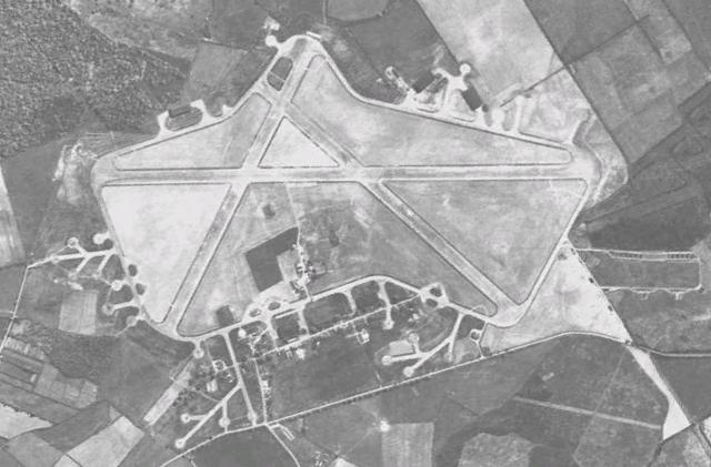 File:RAF Silverstone 1945.png