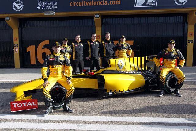 File:Renault r30 launch10.jpg