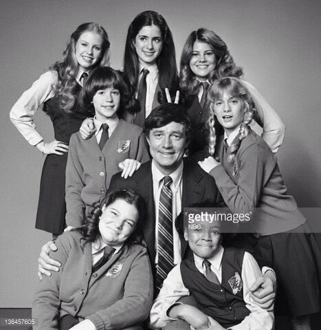 File:Facts of Life Season One Cast.jpg