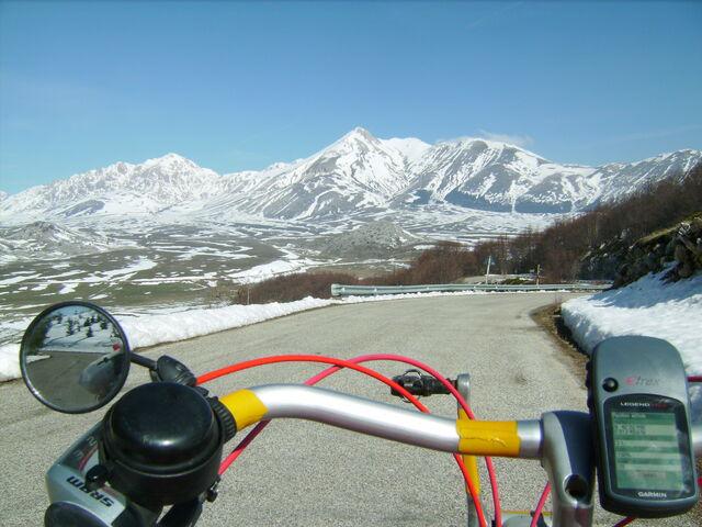 Datei:Campo Imperatore Schnee Dalli.jpg
