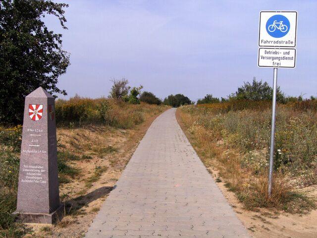 Datei:Datei-Fahrradstraße - Schönefelder Weg (Schönefeld-Großziethen).jpg