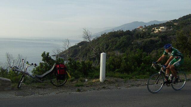 Datei:Corsica dalli und rennrad.jpg
