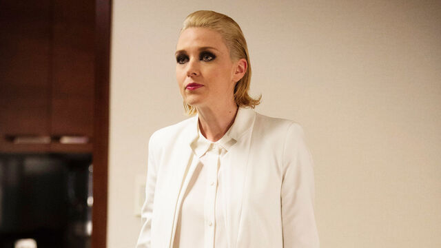 File:FW s1 ep5 lady in white 01 1920x1080.jpg