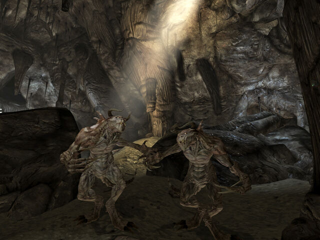 File:Deathclaws in DS.jpg