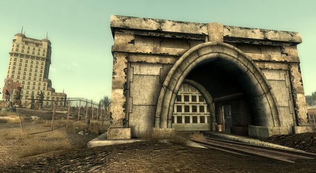 File:Warrington tunnels Trainyard door.jpg