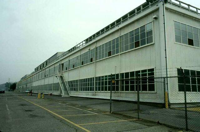 File:VB DD14 loc Decrepit Office Building.jpg