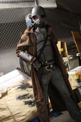 File:NCR Ranger Veteran cosplay.jpg