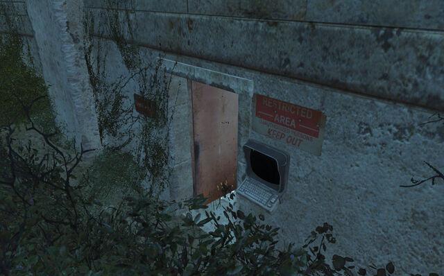 File:DryRockGulchEmployeeArea-Door-NukaWorld.jpg