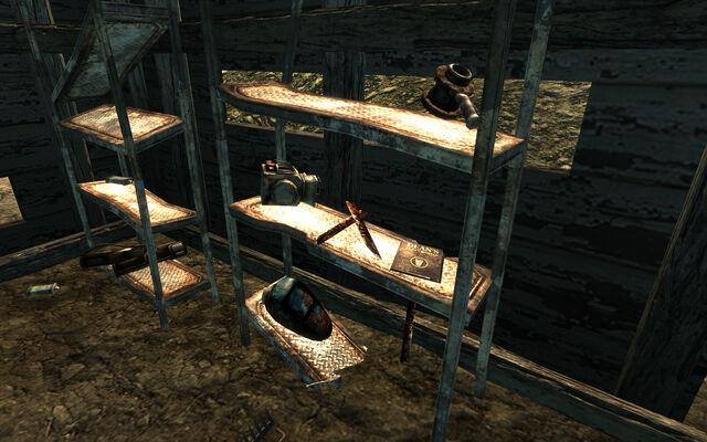 File:Raider farmhouse Dean's Electronics.jpg