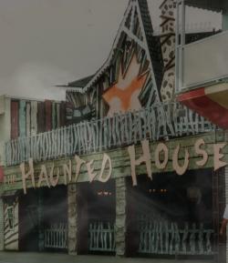 File:HauntedHouseWiki.png