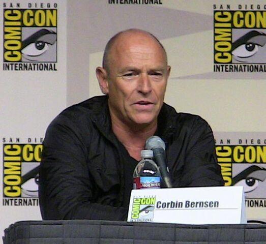 File:Corbin Bernsen (2009).jpg