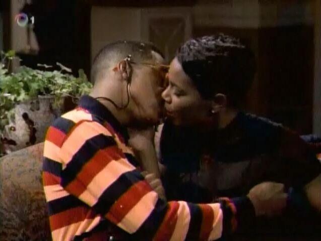 File:Steve and Laura kiss.jpg