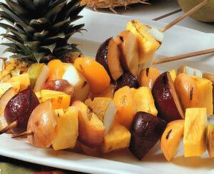 Grilled-fruit-kabobs-01-af