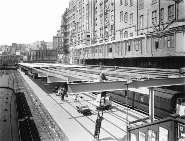File:Tumul Street Station, Avenir, 1947.jpg