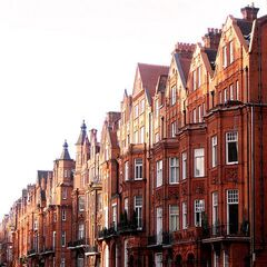 The Sutton Road villas of Blithebeth, the most expensive terraced houses in Avenir. They are known for the characteristic redbrick, made to resemble wood.