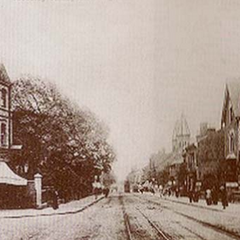 The southbound section of the High Street, flattened except for the building on the left (which still stands today). The buildings opposite were the houses of rich merchants, who lived there due to the location of their factories and workers—they inclined to invite themselves into their homes.