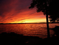250px-Winnipesaukee Sunset 8-28-2002 (JJH)