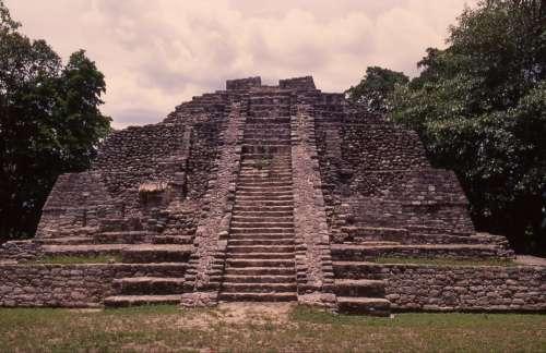 File:Temple 6679.jpg