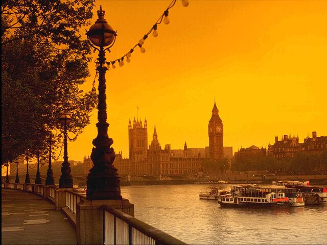 File:River-Thames-London-1-KPKPZ0E7Q8-1024x768.jpg