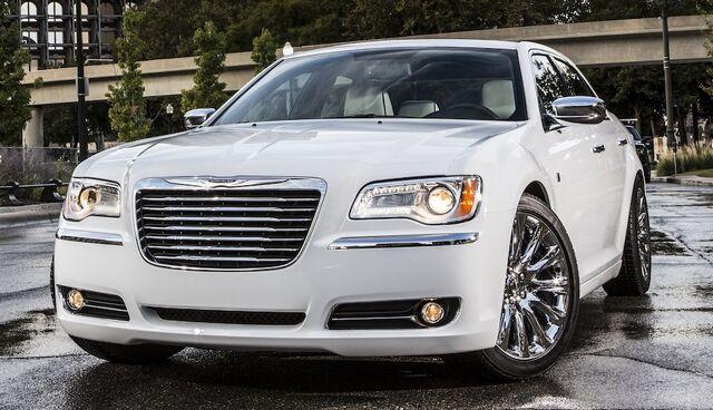 File:Chrysler300motown2013-02.jpg