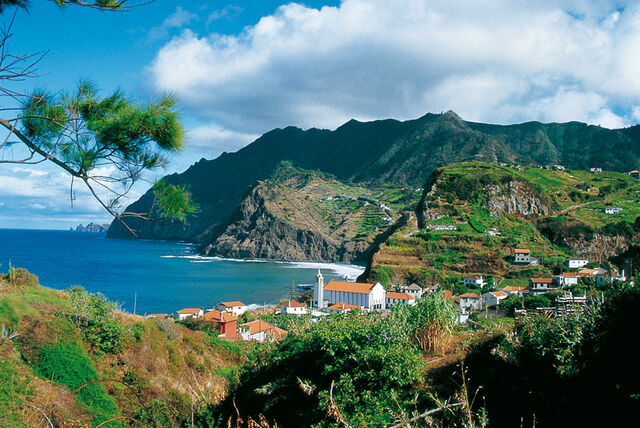 File:Madeira-in-Portugal Madeira-view 5315.jpg