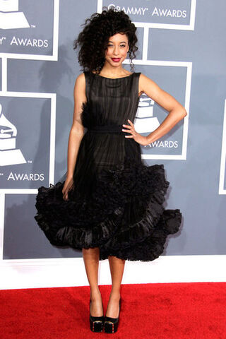 File:Grammys-2012-Weho-Wore-What.jpeg