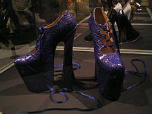 File-Vivienne Westwood Naomi Campbell shoes