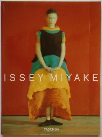 File:Issey-miyake.jpeg